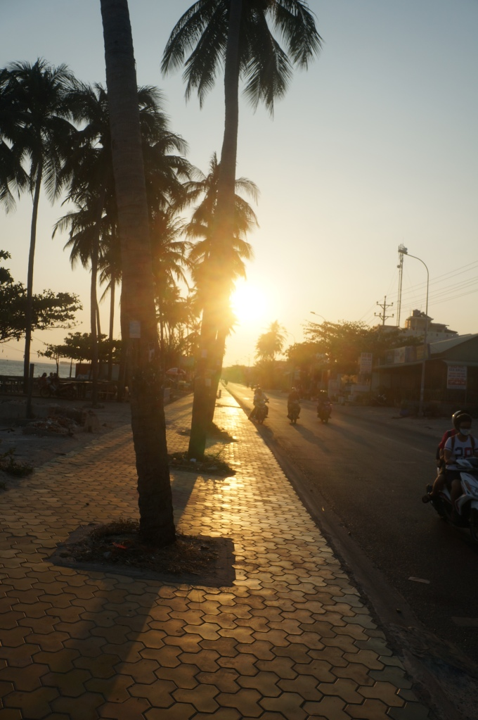 The sun beginning to set over  he streets of Mui Ne.