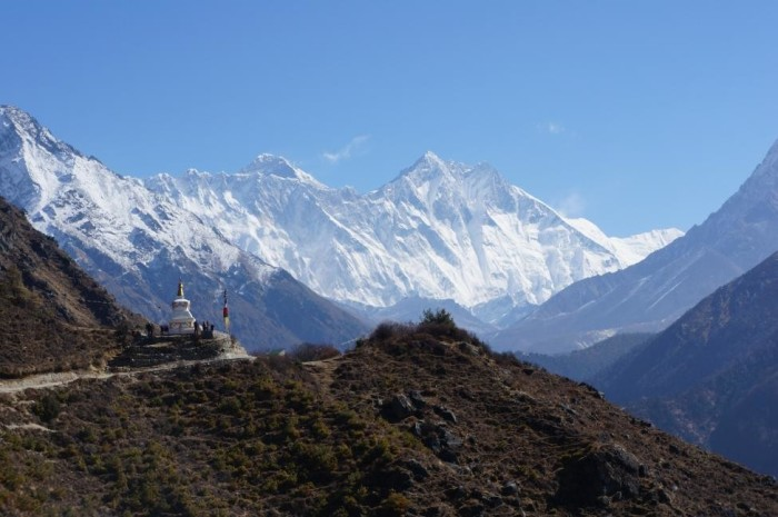 Everest and Lhotse, the 1st and 4th highest mountains in the world.