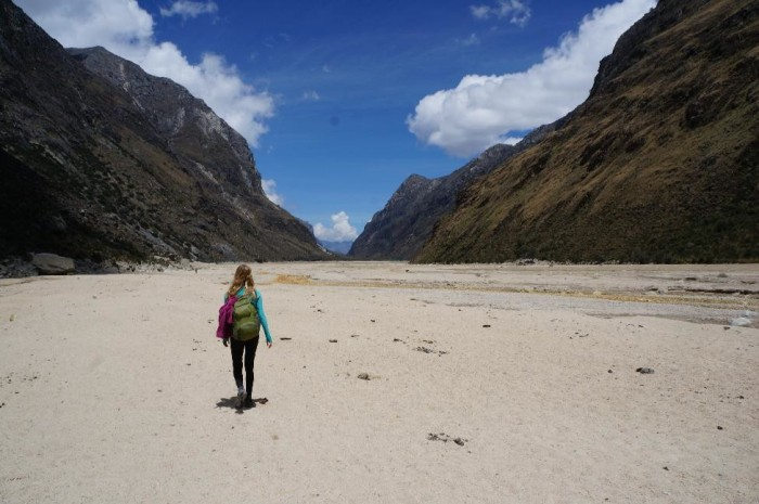 Weird massive beach left behind by an old lake at 4,000 meters